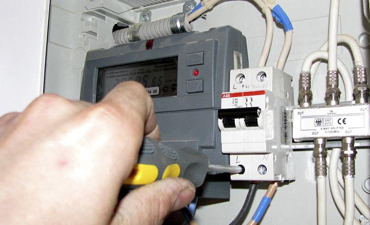 Как сделать в квартире недорогой ремонт?
