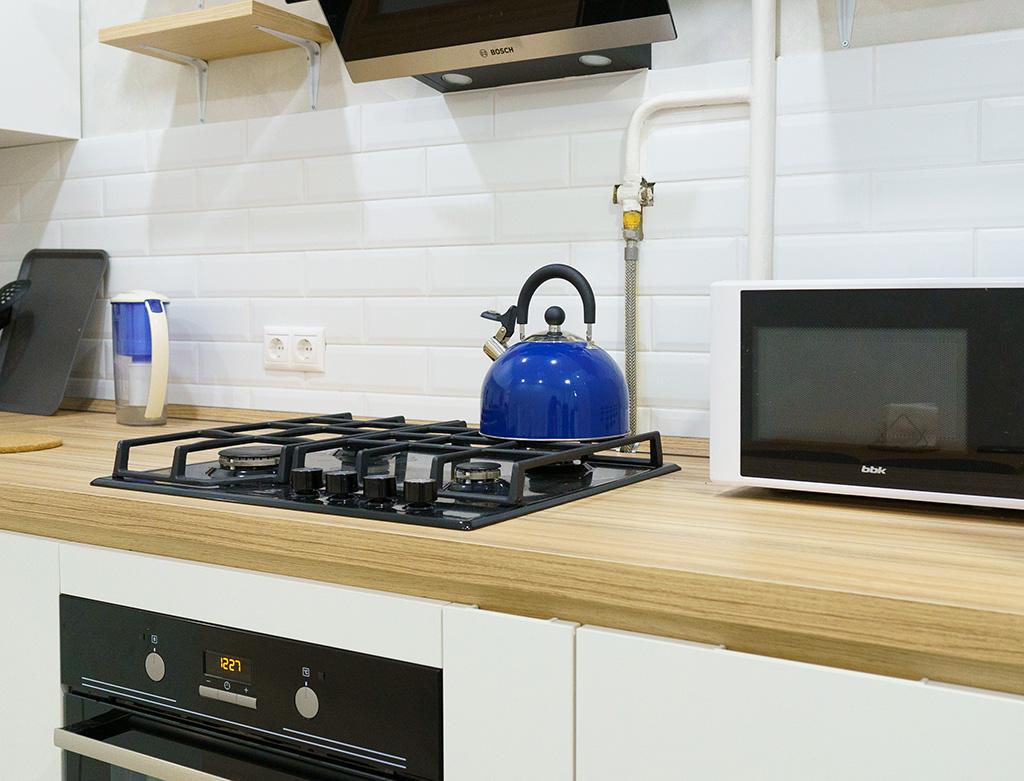Отделка стен на кухне: варианты отделочного материала, их преимущества и недостатки